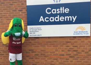 Clarence the Dragon visits Castle to inspire reading
